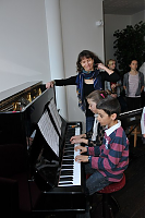 Enfants au piano de l'association musicale